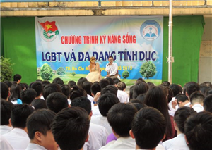 ĐẨY LÙI NẠN KỲ THỊ LGBT TRONG HỌC ĐƯỜNG