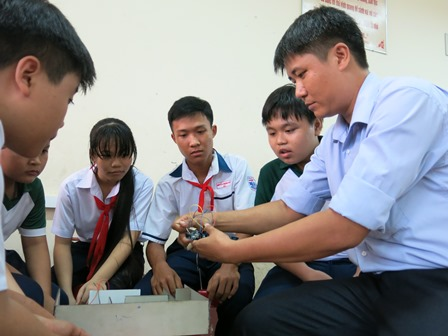 HỌC SINH THCS SÁNG TẠO THIẾT BỊ THÔNG MINH